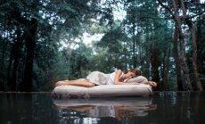 Matrača izvēle, pozas un vingrinājumi. Fizioterapeites praktiskie padomi kvalitatīvākam miegam