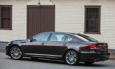'Trasta komercbanka' izsolē centīsies pārdot 'Lexus LS 600h L'