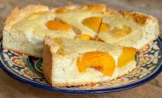 10 debešķīgas kūkas, kuru pildījumam izmantojami konservēti persiki