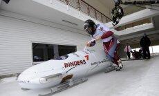 Melbārža divnieku ekipāža pēc neveiksmīga otrā brauciena izcīna astoto vietu PK pirmajā posmā bobslejā