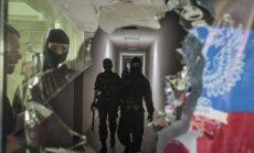 Separātisti atbrīvo 15 Ukrainas ķīlniekus; gūstā palikuši vēl vismaz 700