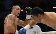 Usiks paredz Briedim uzvaru pār Peresu 'World Boxing Super Series' ceturtdaļfinālā