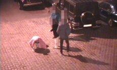 Вецрига: турист проиграл пари и пытался прыгнуть в канализационную шахту