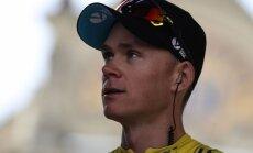Frūms uztriecas motociklam un zaudē 'Tour de France' kopvērtējuma līdera godu