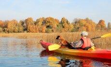 Krāšņas ainavas un interesantas pieturvietas: izpētīts laivu maršruts pa Sauso Daugavu