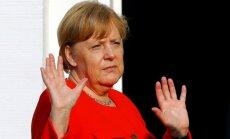 Francija un Vācija vienojušās eirozonas budžeta jautājumā, paziņo Merkele