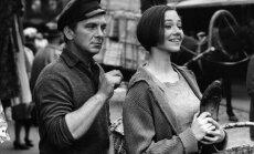 Pa filmu maršrutiem: aicina uz Pārdaugavas velotūri un kinoseansu vecajā kinoteātrī 'Renesanse'