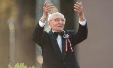 Mūžībā 102 gadu vecumā aizgājis kordiriģents Roberts Zuika