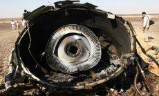 Skandalozais 'Charlie Hebdo' pasmejas arī par Krievijas lidmašīnas katastrofu