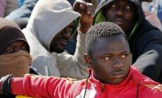 Foto: Itāļi uz savām ostām svētdien atveduši ap 2200 Āfrikas bēgļu