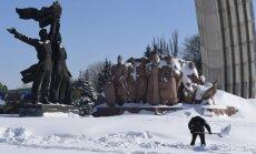 Foto: Baltkrieviju, Ukrainu un Krieviju ieskauj prāvas sniega kupenas