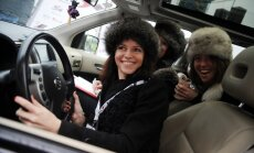 В Латвии количество женщин-водителей возросло на 3650 человек