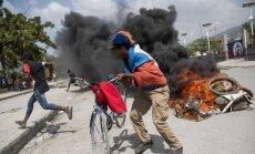 Benzīna cenu paaugstināšana Haiti izraisa nemierus