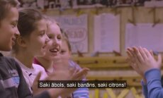 Dokumentālās filmas 'Turpinājums' varoņi: mazā skolniecīte Anete no Vecpiebalgas