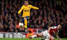 Madrides 'Atletico' UEFA Eiropas līgas pusfināla ievadā mazākumā nospēlē neizšķirti ar 'Arsenal'; 'Olympique' uzvar 'Salzburg'