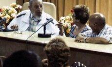 Foto: Pēc trīs mēnešu pauzes sabiedrībā parādās Fidels Kastro