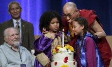 Dalailama trimdā atzīmē savu 80. dzimšanas dienu