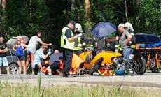 ФОТО, ВИДЕО: На Лиепайском шоссе столкнулись Audi и спорткар Morgan