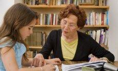 IZM rosina paplašināt sociālo garantiju klāstu pedagogiem