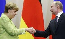 Merkele sarunā ar Putinu noraida jaunu Ukrainas krīzes noregulējuma līgumu