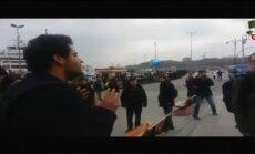 Video: Turku protestētāji Stambulā uzbrūk ASV jūrniekiem