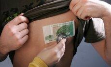 Ignorē iebildumus un nolemj ieviest 'veselības nodokli'