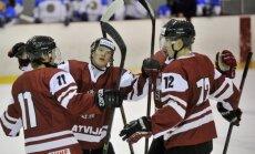 Latvijas U-20 hokejisti pēc cerību zaudēšanas uz vietu PČ augstākajā divīzijā piekāpjas Itālijai