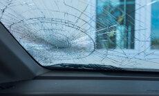 Vai ar bojātu vējstiklu var iziet tehnisko apskati