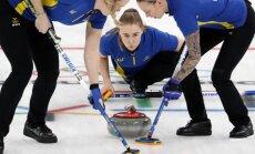 Zviedrijas kērlingistes apbēdina mājinieces un kļūst par Phjončhanas čempionēm