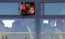 Alepo aptur evakuāciju; kolonnai uzbrūk šiītu kaujinieki un civiliedzīvotāji