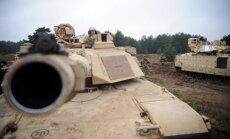 Канада и Польша, возможно, направят в Латвию бронемашины и танки