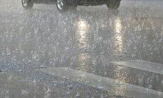 Oranžais brīdinājums: Piektdienas vakarā prognozē stipras pērkona lietusgāzes