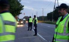 Darbinieku trūkuma dēļ pārskatīs Ceļu policijas darba organizāciju