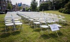 Перед посольством РФ в Нидерландах устроили акцию в память жертв рейса MH17
