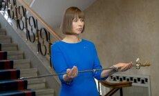 Foto: Kaljulaida svinīgi nodod igauņu armijai īpašu zobenu