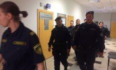 Tiesa lems, vai paturēt apcietinājumā administratorus Sprūdu, Krūmu un Durevski