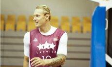 Timmam deviņi punkti un pirmā uzvara Eirolīgā; Dairis Bertāns rezultatīvākais komandā zaudējumā
