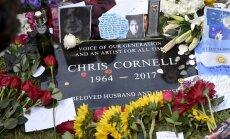 Foto: Fani un Amerikas rokmūzikas zvaigznes atvadās no Krisa Kornela