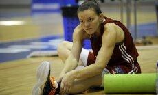 Šteinberga ar desmit punktiem palīdz Prāgas ZVVZ USK komandai ar uzvaru sākt FIBA Eirolīgas turnīru