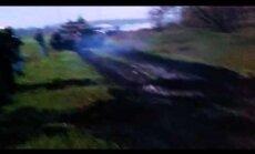 Video: Prokrieviskie aktīvisti aptur T-64 tanku