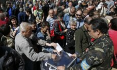 """ВИДЕО: сепаратисты рапортуют о """"запредельной"""" явке на референдуме"""