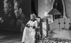 Ināra Slucka iestudējusi izrādi 'film noir' stilistikā
