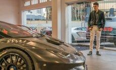 Foto: 14 gadīgs skolēns kļuvis par pirmo īpaša 'Lamborghini' īpašnieku ASV