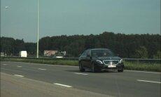 Uz Jūrmalas šosejas 'Mercedes' traucas ar 216 km/h