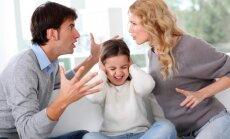 Strīds bērna klātbūtnē: vai vēlams un kāpēc