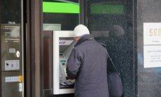 'Swedbank' un 'SEB banka' sākušas bankomātu pakāpenisku atslēgšanu