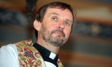 Глава лютеран Латвии: идет атака на христианский мир, но беженцев принять нужно