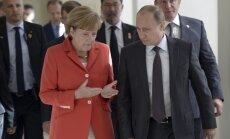 Merkele un Putins: situācijai Ukrainā 'ir tendence pasliktināties'