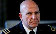 Trampa padomnieks nacionālās drošības jautājumos Kabulā ticies ar Afganistānas prezidentu