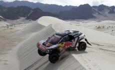 Sainss pēc sarežģīta ātrumposma pietuvojas otrajam Dakaras čempiona titulam